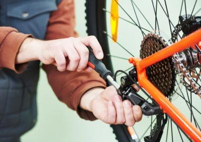 Réparation de vélos avec Vélisol et Keolis